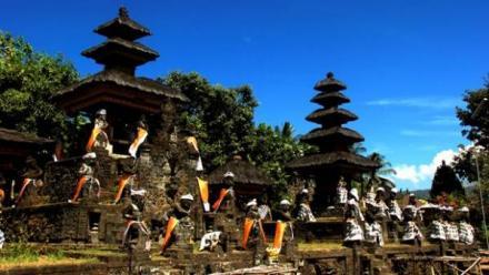 Potensi Pariwisata Desa Bulian , Pura yang Sarat Misteri