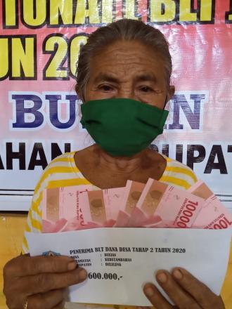 Penyaluran Bantuan Langsung Tunai BLT ( BLT - DD ) Tahap II Desa Bulian